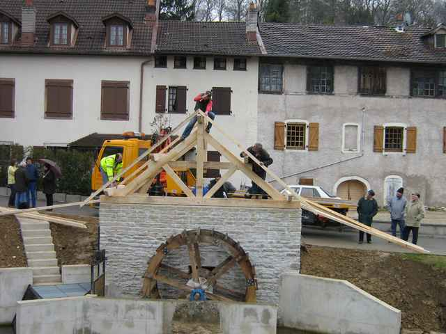 Reconstruction-de-la-roue-du-moulin-a-Dung-58